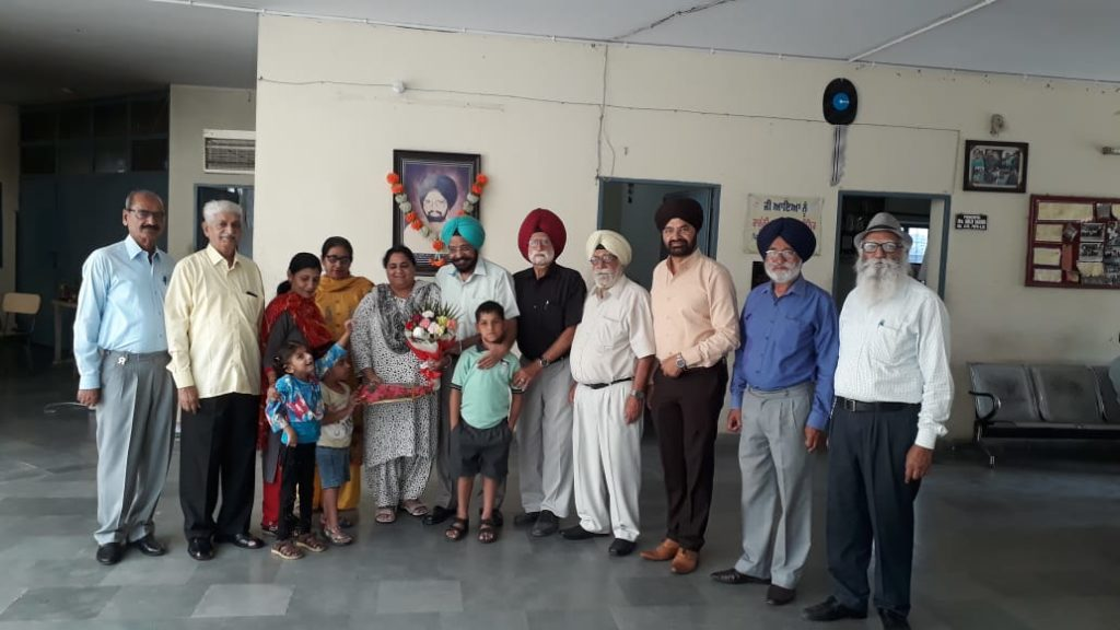 Col. Gurmeet Singh celebrated his Marriage Anniversary.
